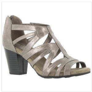 Easy Street Womens Amaze Metallic Dress Sandals